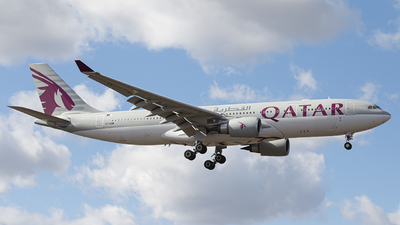 A picture of A7ACM - Airbus A330202 - Qatar Airways - © ukbb.planespotter
