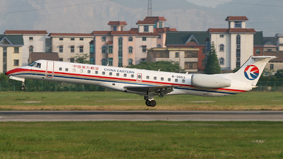 B-3052 - Embraer ERJ-145LI - China Eastern Airlines