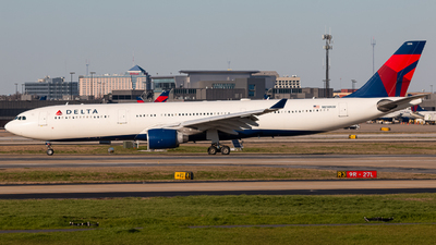 A picture of N814NW - Airbus A330323 - Delta Air Lines - © Brent Mooney
