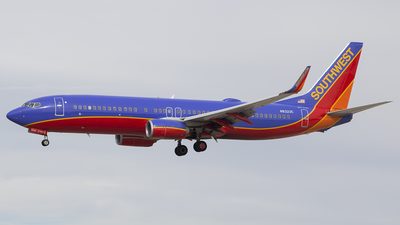 N8323C - Boeing 737-8H4 - Southwest Airlines