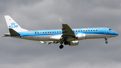 A picture of PHEZZ - Embraer E190STD - KLM - © Jeroen Stroes