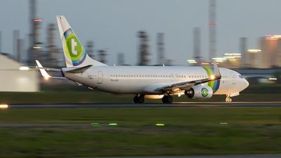 PH-HSA - Boeing 737-8K2 - Air Vanuatu