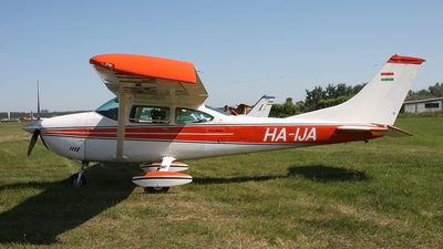 HA-IJA - Cessna 182P Skylane - Private