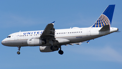 A picture of N809UA - Airbus A319131 - United Airlines - © Wes B