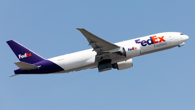 A picture of N859FD - Boeing 777FS2 - FedEx - © Nestor Hung