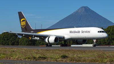 A picture of N465UP - Boeing 75724APF - UPS Airlines - © Emilio Ruiz