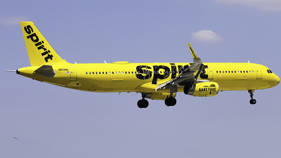 A picture of N659NK - Airbus A321231 - Spirit Airlines - © Zachary Bogart