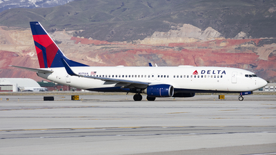 A picture of N3754A - Boeing 737832 - Delta Air Lines - © Michael Rodeback