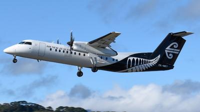 A picture of ZKNET - De Havilland Canada Dash 8300 - Air New Zealand - © Harris Thomson