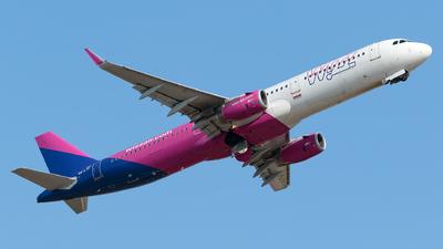 A picture of HALTF - Airbus A321231 - Wizz Air - © Monica De Guidi
