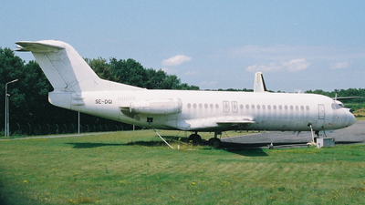 SE-DGI - Fokker F28-4000 Fellowship - Untitled