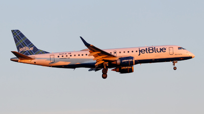 A picture of N247JB - Embraer E190AR - JetBlue Airways - © Oliver Richter