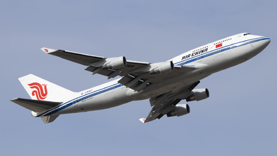 A picture of B2447 - Boeing 7474J6 - Air China - © heitanyang