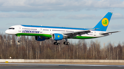 UK75705 - Boeing 757-231 - Uzbekistan Airways