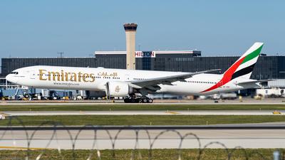 A picture of A6ENZ - Boeing 77731H(ER) - Emirates - © Haocheng Fang
