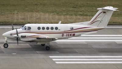 A picture of DICKM - Beech B200 Super King Air - [BB1005] - © Claudio Marangon
