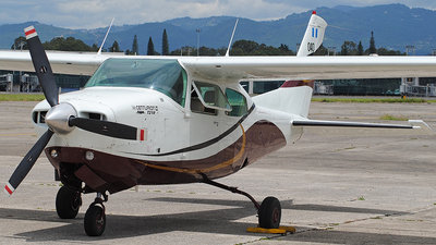 040 - Cessna T210R Turbo Centurion II - Guatemala - Air Force