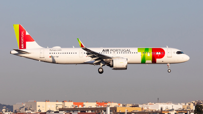 A picture of CSTXF - Airbus A321251NX - TAP Air Portugal - © Carlos Miguel Seabra