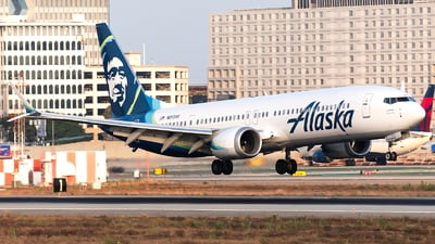 A picture of N913AK - Boeing 737 MAX 9 - Alaska Airlines - © Cameron Stone