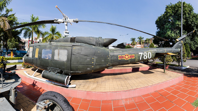 780 - Bell UH-1H Iroquois - Vietnam - Air Force