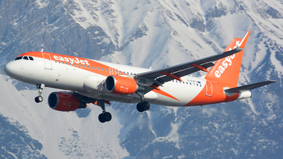 G-EZPJ - Airbus A320-214 - easyJet