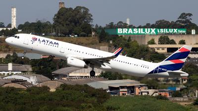 A picture of PTMXQ - Airbus A321231 - LATAM Airlines - © Antonio Carlos Carvalho Jr.