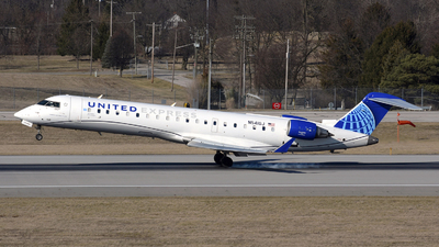A picture of N541GJ - Mitsubishi CRJ550 - United Airlines - © DJ Reed - OPShots Photo Team