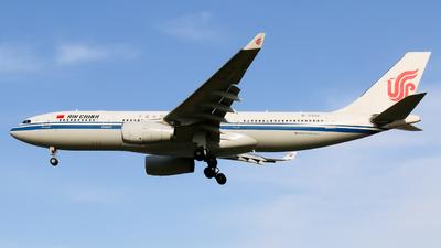 B-5932 - Airbus A330-243 - Air China