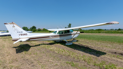 I-BAND - Cessna R172K Hawk XP II - Private