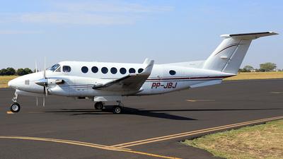 PP-JBJ - Beechcraft B300 King Air 350 - Private