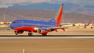 N422WN - Boeing 737-7H4 - Southwest Airlines