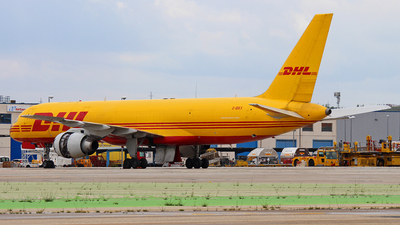 A picture of GBIKV - Boeing 757236(SF) - DHL - © Mike Barker