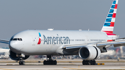 A picture of N776AN - Boeing 777223(ER) - American Airlines - © bill wang