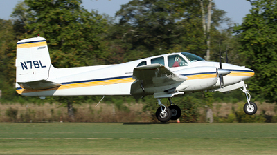 N76L - Beechcraft D50A Twin Bonanza - Private