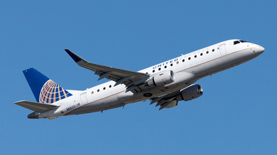 A picture of N88331 - Embraer E175LR - United Airlines - © Yixin Chen