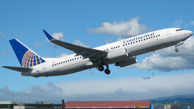 N76526 - Boeing 737-824 - Continental Airlines