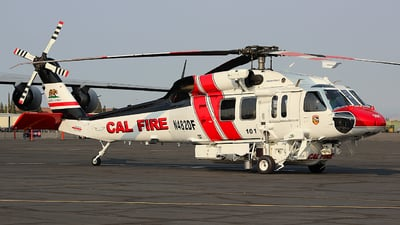 N482DF - Sikorsky S-70i Blackhawk - United States - California Department of Forestry