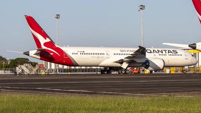 A picture of VHZNG - Boeing 7879 Dreamliner - Qantas - © Jon Logan