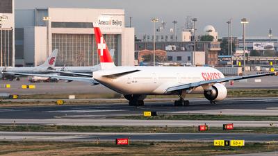 A picture of HBJNH - Boeing 7773DE(ER) - Swiss - © CHEN SHUO