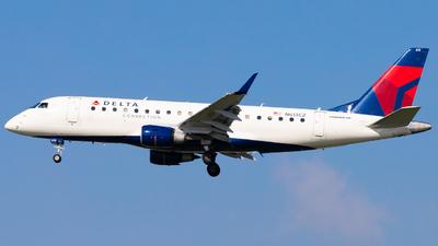 A picture of N613CZ - Embraer E175LR - Delta Air Lines - © Eric Esots