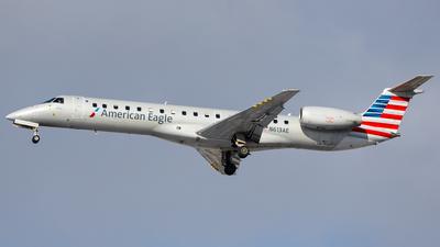 A picture of N613AE - Embraer ERJ145LR - American Airlines - © Martin Pinnau
