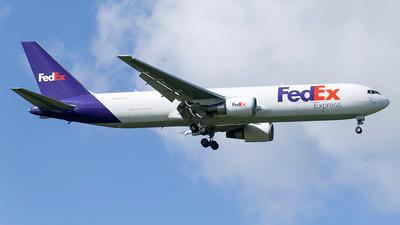 N117FE - Boeing 767-3S2F(ER) - FedEx