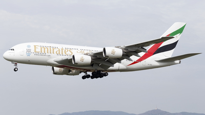 A6-EDQ - Airbus A380-861 - Emirates