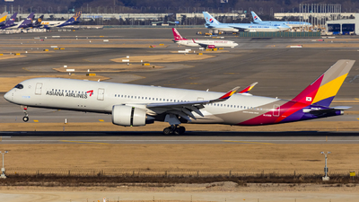 HL8359 - Airbus A350-941 - Asiana Airlines