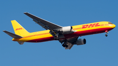 A picture of N371CM - Boeing 767338(ER)(BDSF) - DHL - © Roberto Tirado