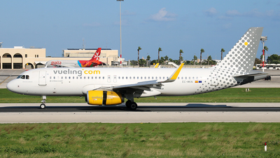 EC-MKN - Airbus A320-232 - Vueling Airlines