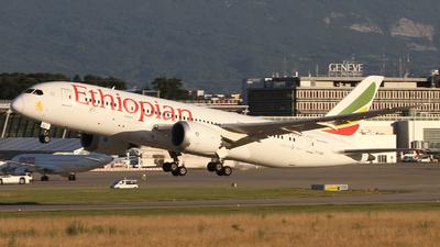 A picture of ETASG - Boeing 7878 Dreamliner - Ethiopian Airlines - © Claude Davet