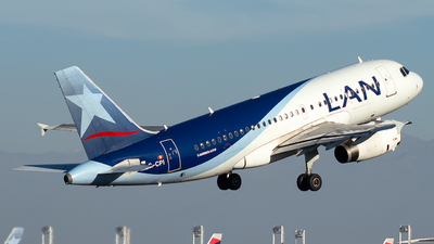 A picture of CCCPI - Airbus A319132 - LATAM Airlines - © MartinezRoe7
