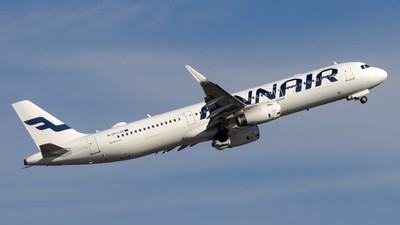 A picture of OHLZK - Airbus A321231 - Finnair - © Peter Tolnai