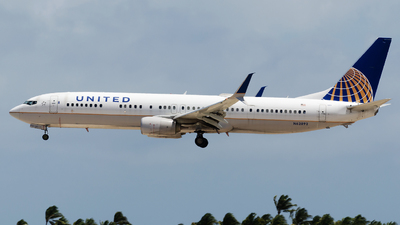 A picture of N62892 - Boeing 737924(ER) - United Airlines - © Nito